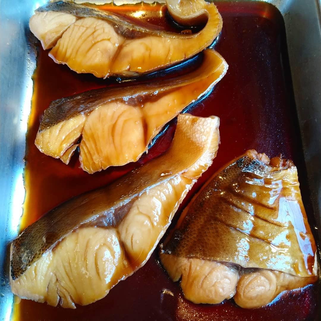 本日の煮魚は平政でした。 月曜日の日替わりランチは海老のクリームコロッケを手作りで仕込んでいますので、お楽しみに!